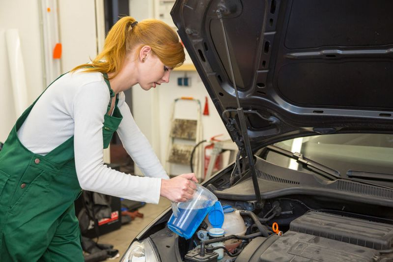 cara merawata mobil sendiri di rumah - air radiator