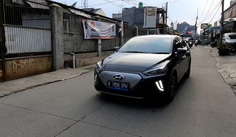 mobil listrik terlaris semester satu 2021