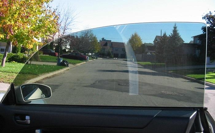 biaya perbaikan kaca mobil retak