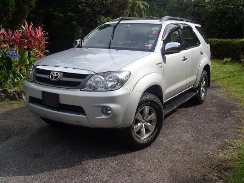 Toyota fortuner bekas